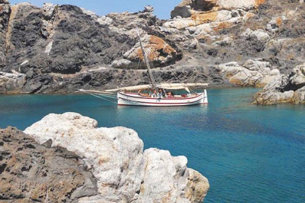 Des excursions en bateau et pêche durant votre séjour à SA Gavina appartements en location à Estartit