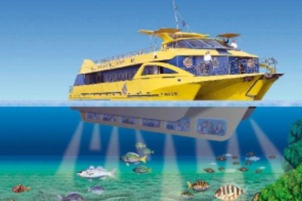 Monocoque avec vision sous-marine à l'Estartit