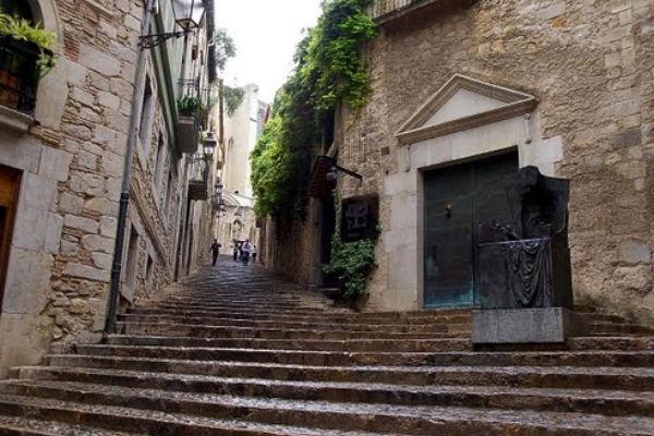 Le quartier juif à seulement 30 minutes des appartements en location à Estartit